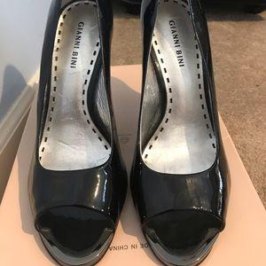 Black open toe Gianni Bini heels
